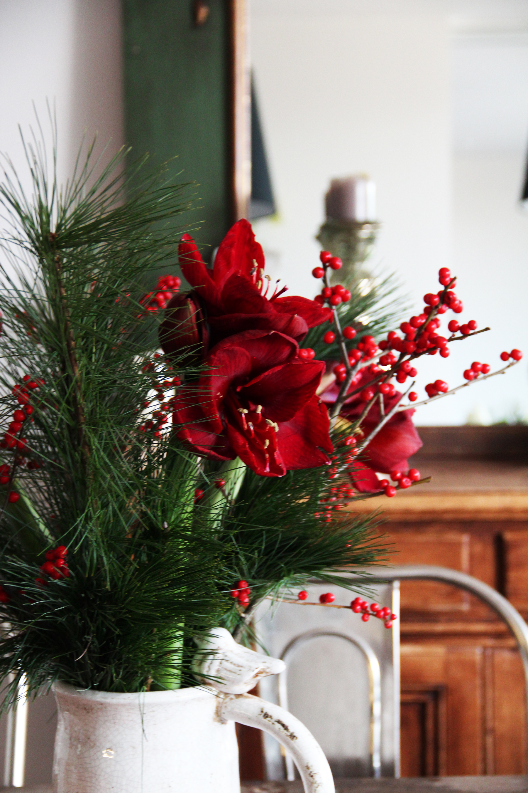 amaryllis holiday bouquet