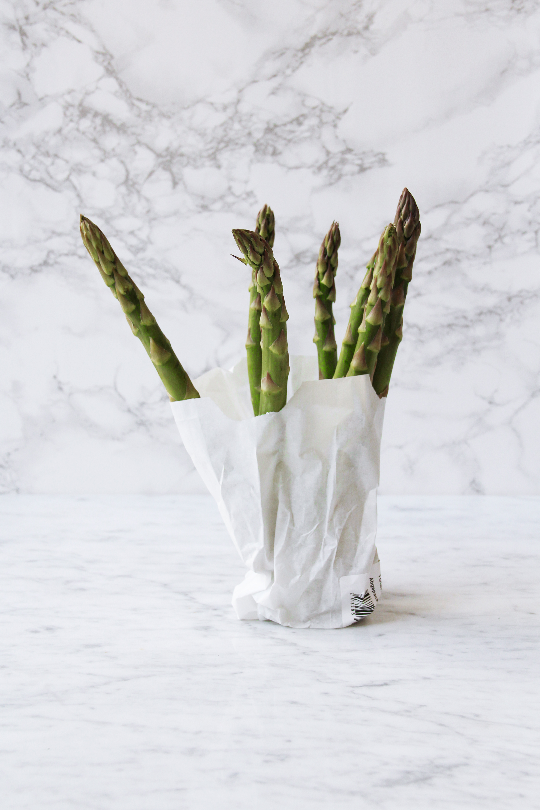 asparagus with soft boiled eggs