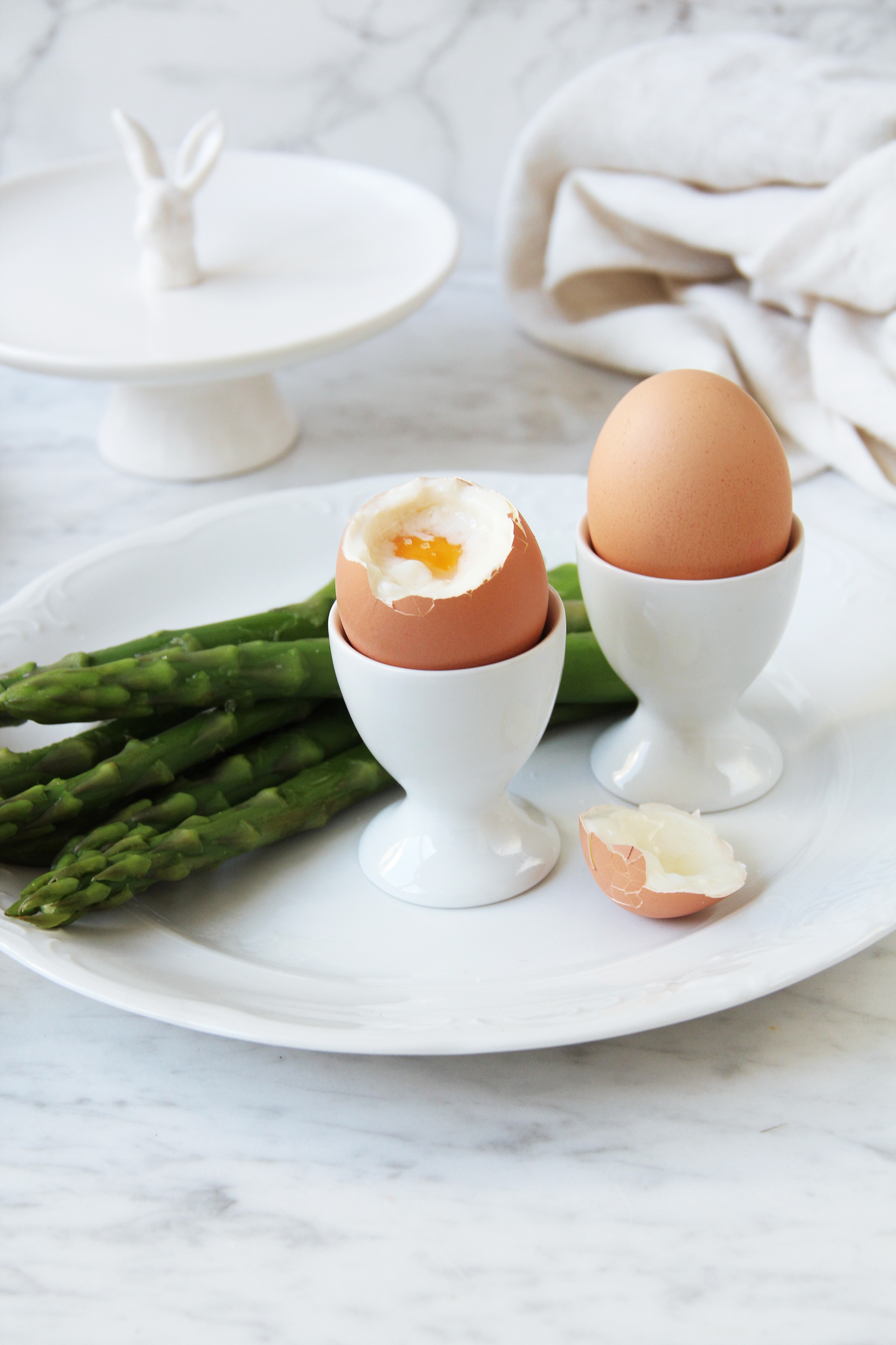 boiled eggs and asparagus