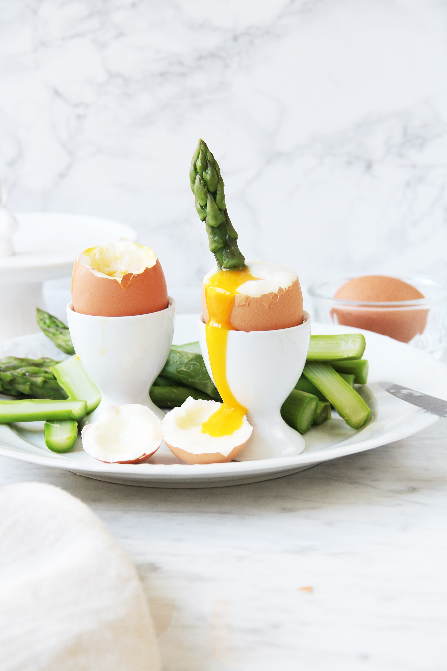 easter eggs with asparagus sticks