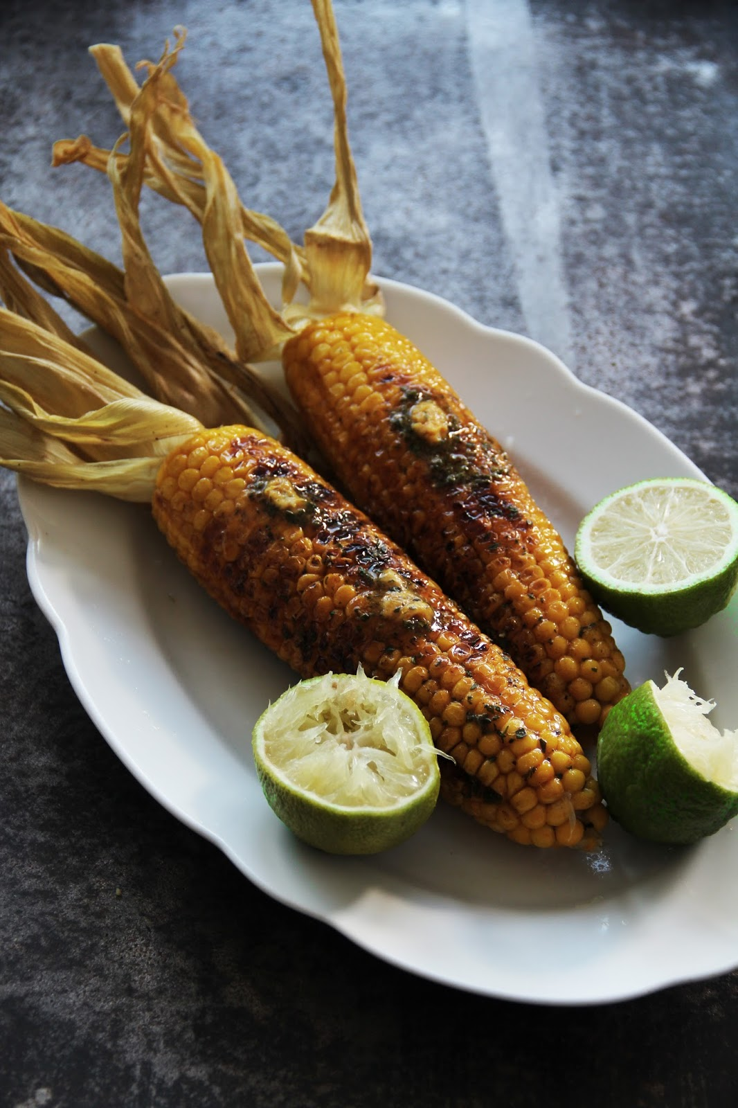 Flavorful, Buttered Corn On The Cob