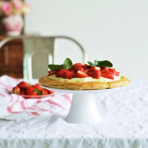 Eclaire Tarte with Strawberries