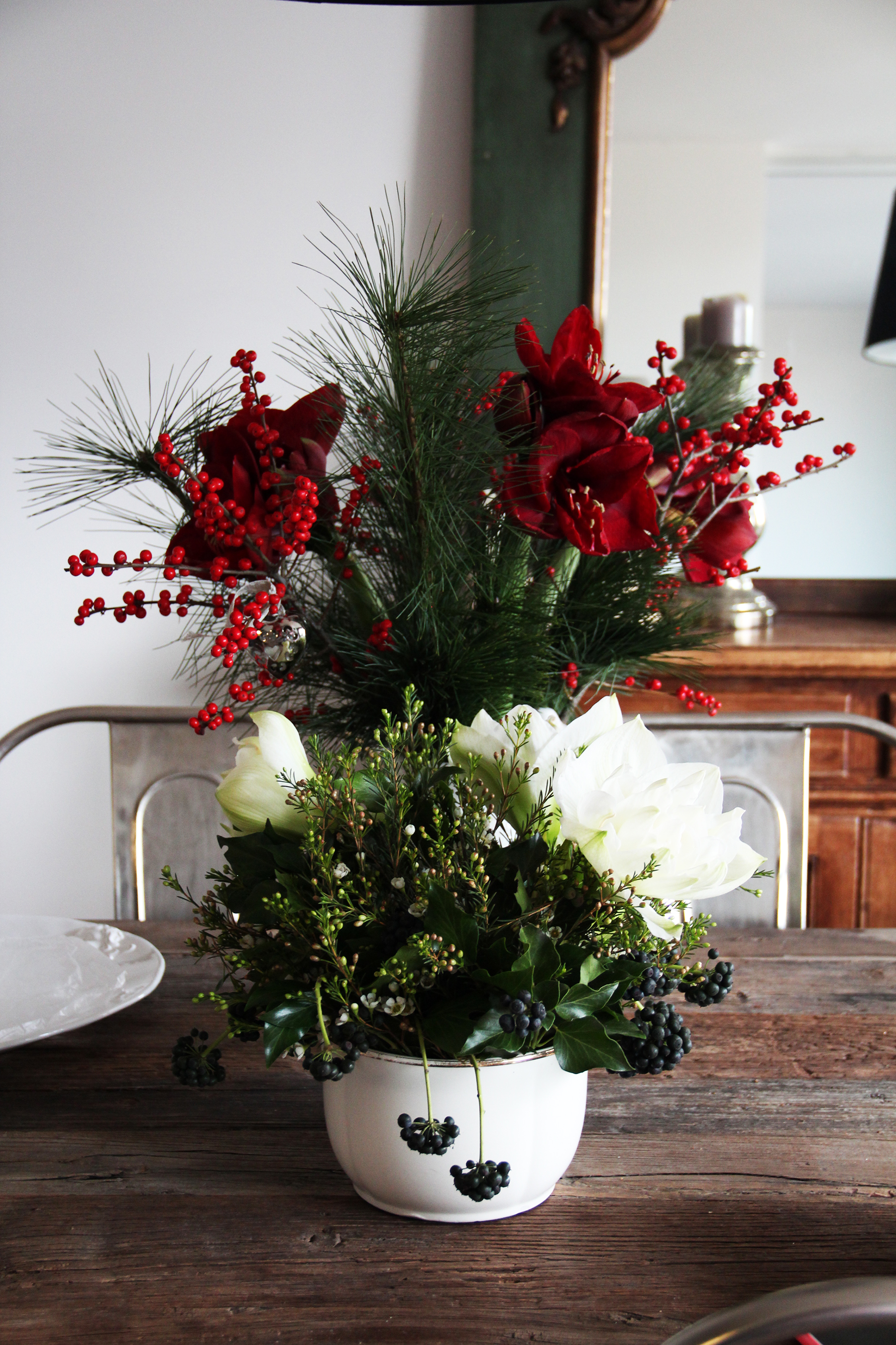 bouquets red white holidays