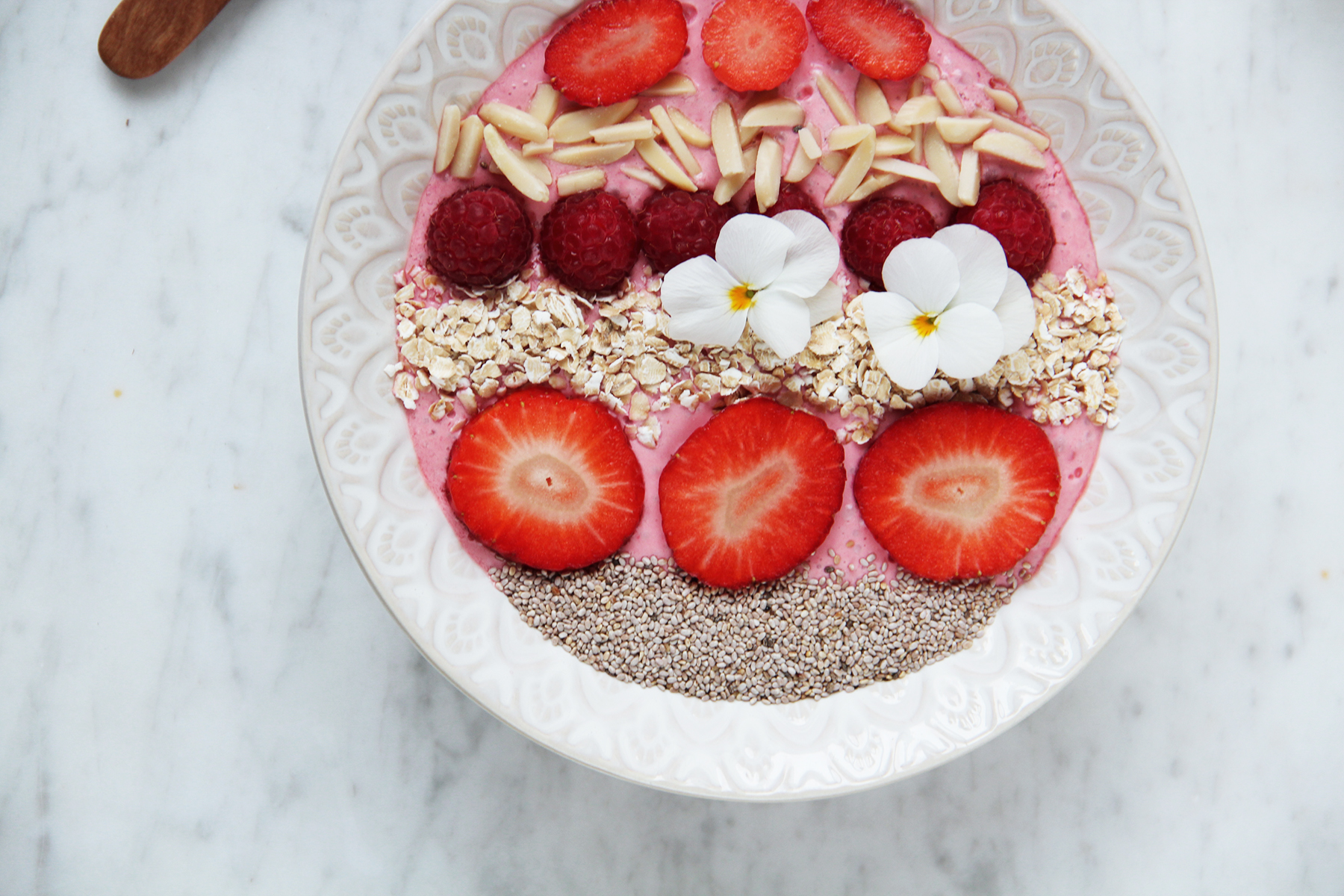 berrie breakfast bowl vegan glutenfree